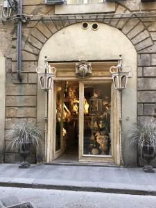 フィレンツェのアンティーク店 2018-1-01